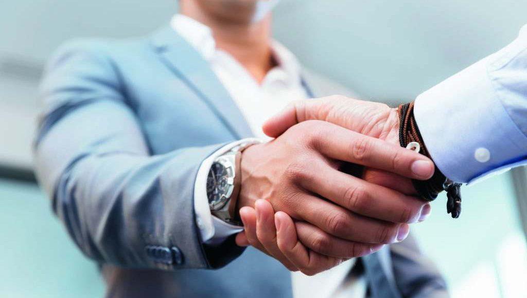 نموذج عقد شراكة بين طرفين في محل تجاري وأهم مميزات وعيوب الشراكة صناع المال